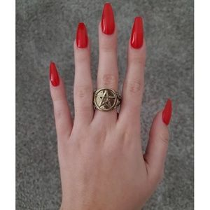 Gold star pentagram ring